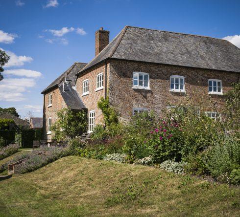 Abbotstone Farm House & Barn